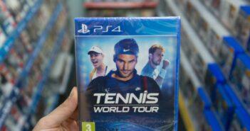 Tennismatch im Wohnzimmer